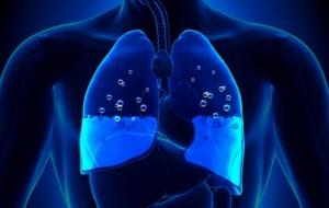 """Προσοχή! Τα """"ένοχα"""" σημάδια ότι τα πνευμόνια σας γεμίζουν με υγρό"""