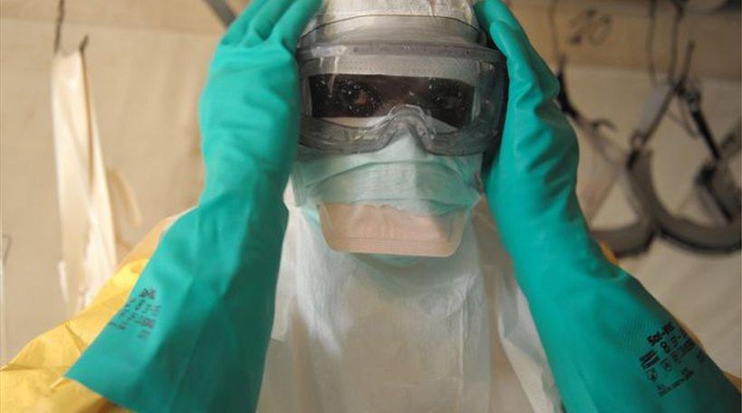 Εμπολα: Τουλάχιστον 120 εργαζόμενοι στην Υγεία έχουν πεθάνει από τον ιό