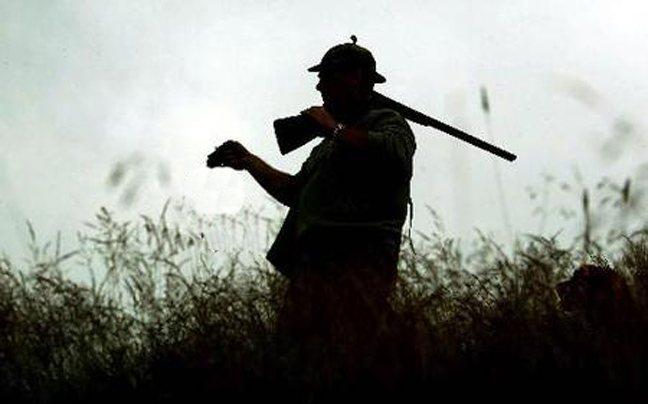 Κυνηγός έπεσε σε χαράδρα στην Αχαΐα