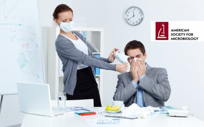 Πώς θα προστατευθείτε από τις ιώσεις στον χώρο εργασίας