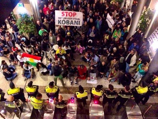 Κούρδοι διαδηλωτές εισέβαλαν στο ολλανδικό Κοινοβούλιο