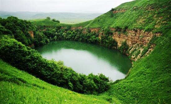 Η βαθύτερη φυσική «πισίνα» στον κόσμο