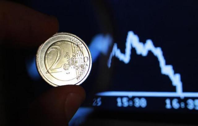 Ανακάμπτει το ευρώ λόγω ενδείξεων για συμφωνία Ελλάδας-δανειστών