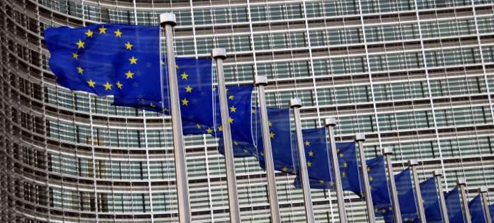 Εκθεση της Κομισιόν: Βαθιά ύφεση στην Ελλάδα, σοβαρό πρόβλημα το χρέος