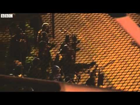 Μετανάστες έκαναν έφοδο από το Καλαί στη Σήραγγα της Μάγχης -Απωθήθηκαν με δακρυγόνα [βίντεο]