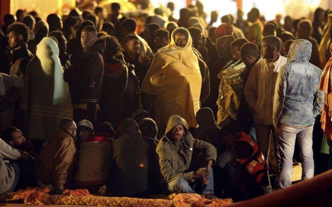 Οι ιταλικές αρχές διέσωσαν πάνω από 2.200 πρόσφυγες