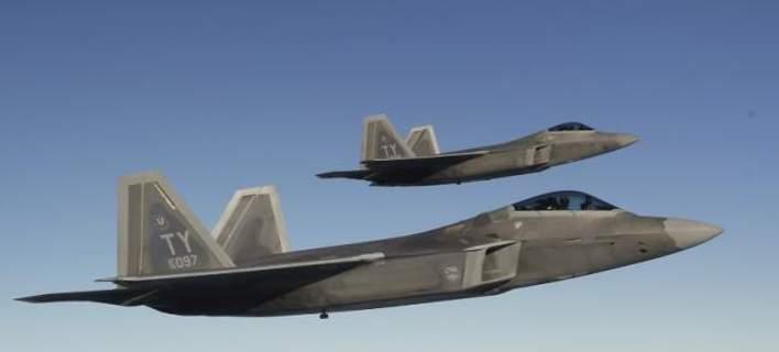 Οι ΗΠΑ κάνουν επίδειξη δύναμης -4 μαχητικά πέταξαν πάνω από τη Νότια Κορέα