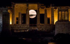 SuperMoon στην...Αθήνα!