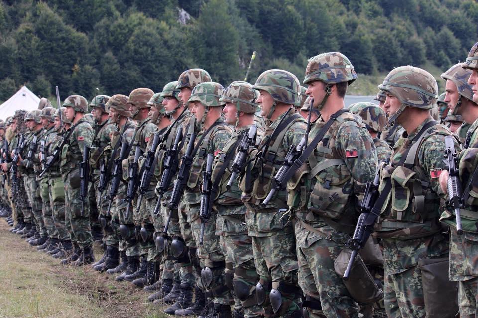 Αποκάλυψη: Όταν η Ελλάδα έδινε εκατομμύρια για να εξοπλίσει τον Αλβανικό στρατό. Ναι καλά ακούσατε!