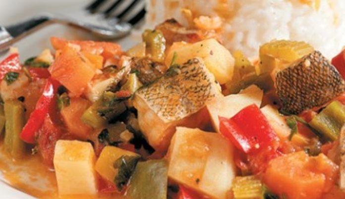 Τι θα φάμε σήμερα; Μπακαλιάρος με πολύχρωμα λαχανικά