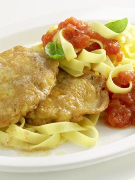 Τι θα φάμε σήμερα; Σκαλοπίνια με σάλτσα ντομάτας και ζυμαρικά