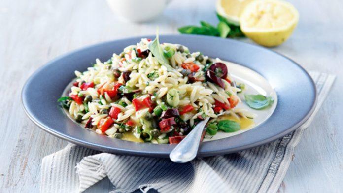 Τι θα φάμε σήμερα; Αρωματική σαλάτα με κριθαράκι