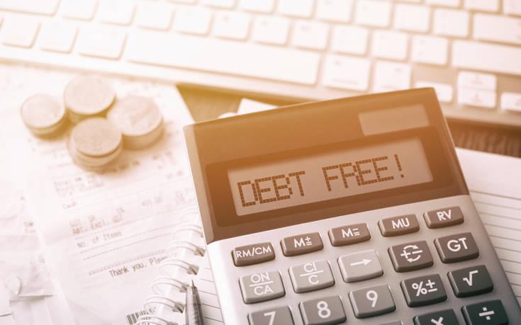 Πώς ξεπλήρωσε χρέος 33.000 δολαρίων βγάζοντας λιγότερα