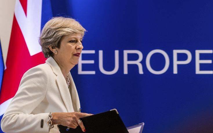 Η μόνη άνετη νίκη της Τερέζα Μέι η… καθυστέρηση στο Brexit