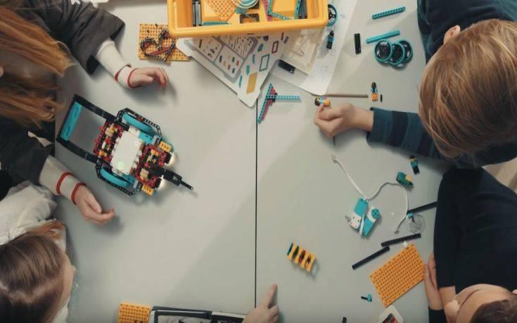 Η LEGO μπαίνει στα σχολεία