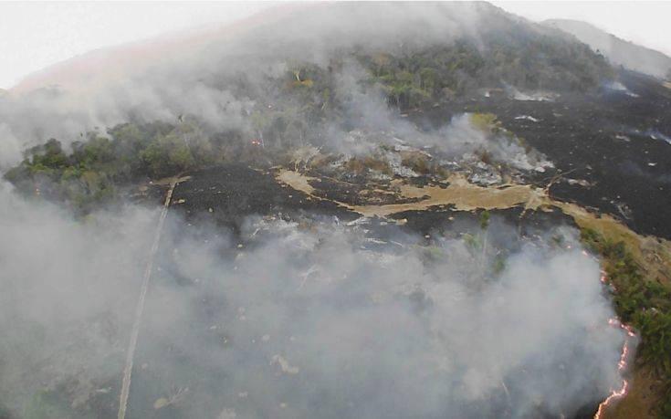 Πυρκαγιές στον Αμαζόνιο: Στρατό σκέφτεται να στείλει ο Μπολσονάρου για να ελέγξει την κατάσταση