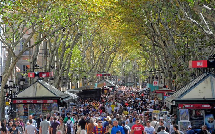 Συναγερμός στη Βαρκελώνη γιατί γέμισε με… «πορτοφολάδες»