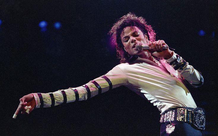 Μια πρώην εκπρόσωπος του Μάικλ Τζάκσον διαφημίζει το ίδρυμά της για να «προασπίσει» την κληρονομιά του