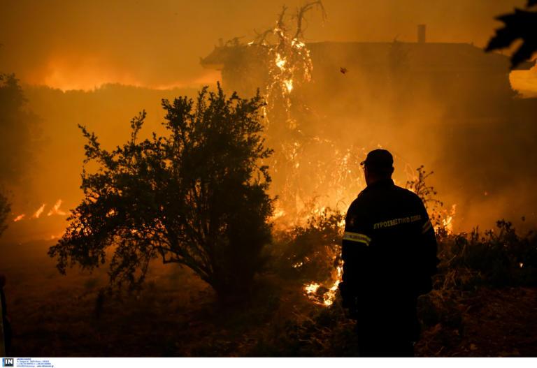 Αποχώρησαν από την μάχη τα πτητικά μέσα! Όλο το βράδυ θα καίγεται η Εύβοια…!!!