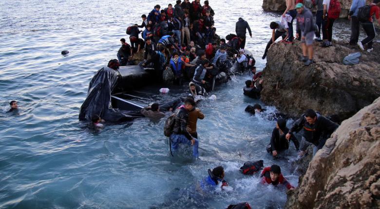 Ασταμάτητες οι ροές μεταναστών στα νησιά του Αιγαίου