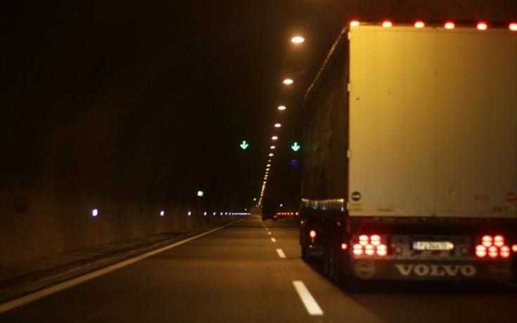 Φορτηγό παρέσυρε και σκότωσε δέκα ανθρώπους στην Κίνα