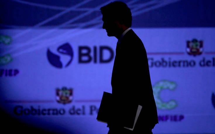 Ξεκίνησε την προεκλογική του εκστρατεία ο… αποδυναμωμένος Τζαστίν Τριντό