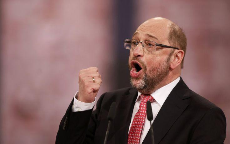Μάρτιν Σουλτς: Λάθος των ΗΠΑ η απόσυρση των στρατευμάτων από τη Βόρεια Συρία