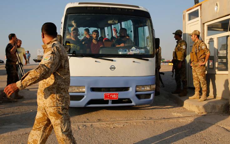 Αμερικανικά στρατεύματα διασχίζουν τα σύνορα του Ιράκ