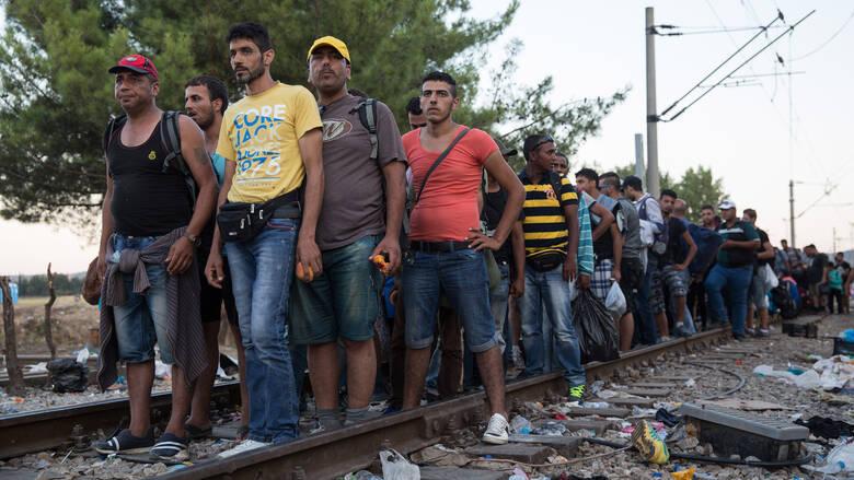 Τρόμος στην Β.Ελλάδα με αλλοδαπούς που στήνουν «καρτέρι» στους οδηγούς – «Είναι εκατοντάδες, δεν μπορούμε  να τους ελέγξουμε»
