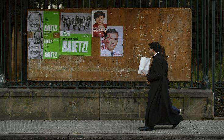 Εκλογές στην Ισπανία: Κανένα κόμμα δεν εξασφαλίζει αυτοδυναμία