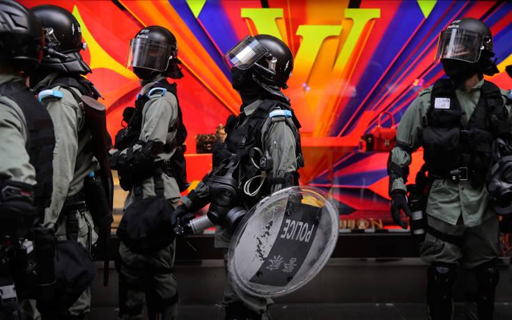 Χονγκ Κονγκ: Μερικές δεκάδες διαδηλωτές παραμένουν στο Πολυτεχνείο
