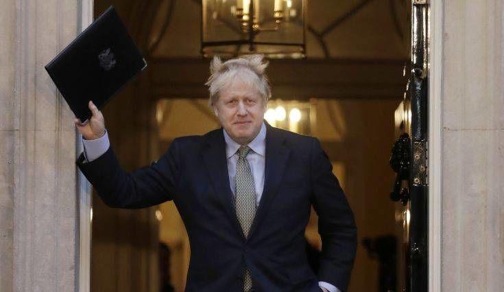 Εκλογές στη Βρετανία: Απόλυτη πλειοψηφία για τους Συντηρητικούς με 365 έδρες