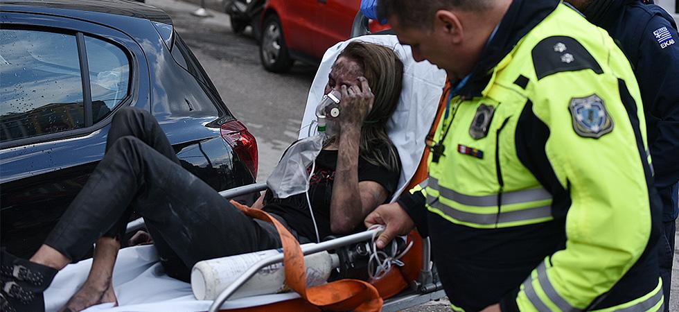 Φωτιά στο Athenaeum Palace: Έχουν απεγκλωβιστεί 20 άνθρωποι – Μια 24χρονη διασωληνωμένη, δύο με σοβαρά εγκαύματα