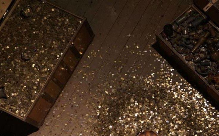 Κέρδισε το λαχείο και μετά ανακάλυψε δοχείο με 2500 νομίσματα αντίκες
