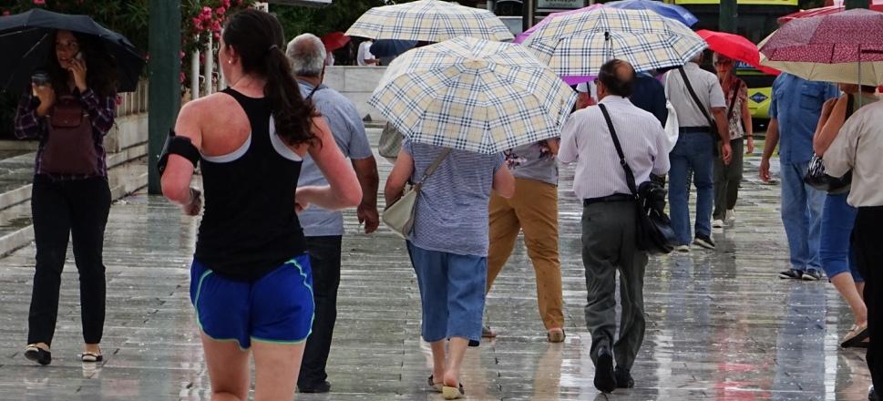 Χαλάει απότομα ο καιρός: Μετά τα 40αρια…βροχές και καταιγίδες!